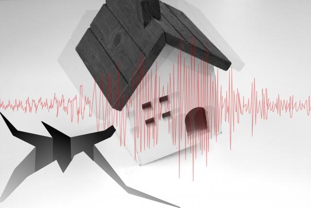 模型の家と地震の波形、地割れのイラスト