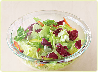 野菜をラップする