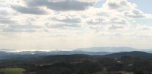 美星天文台二階のベランダからの展望