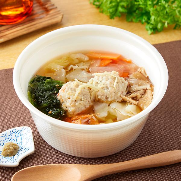 野菜を練りこんだ食感の良い鶏つくねと大根、人参、きゃべつ、ほうれん草などを盛り込んだ和風仕上げのスープごはんです。
