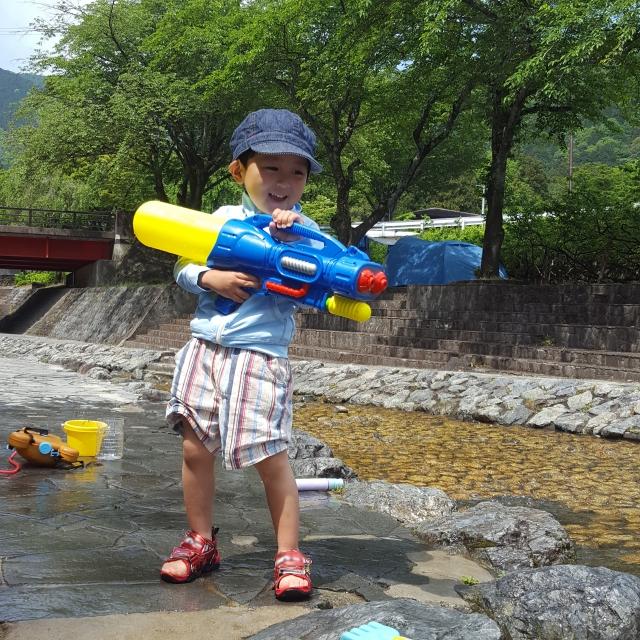 【夏遊び】子どもが大満足・ママも安心できる遊び方の決定版!